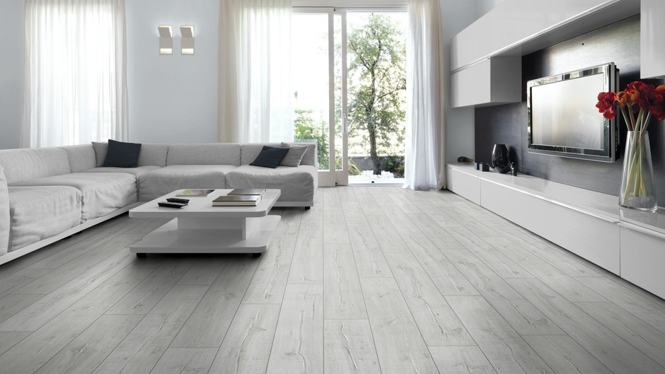 Ideal Laminate Floors for Small Rooms
